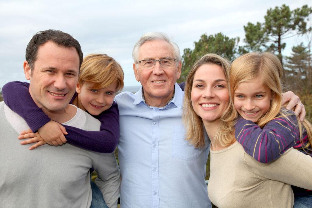 Foto de familia de tres generaciones.